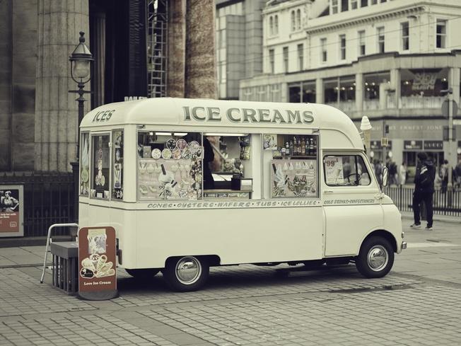 sm_ice-cream-van-1_133