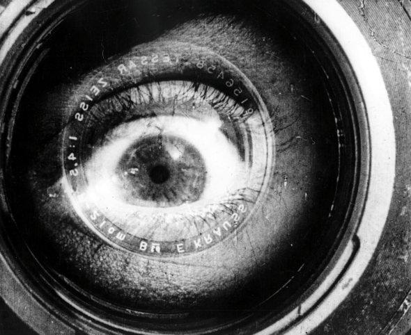 man-with-a-movie-camera-1928-001-00m-il5-kino-eye_590.jpg