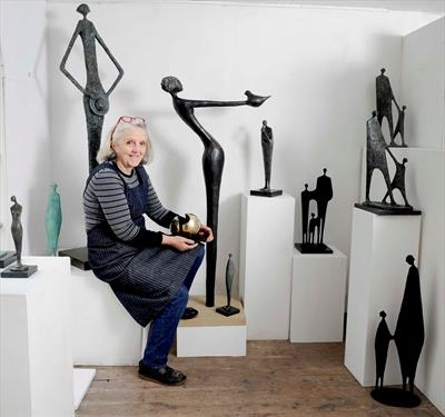photo, Jennifer Watt, Sculptor